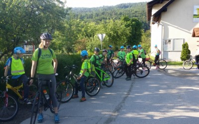 S kolesom v Moravče